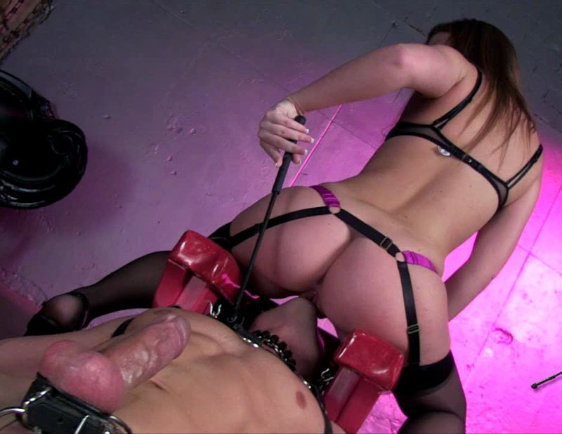 Maddy OReilly - Queening Throne For Mistress [HD] - FemdomEmpire.com