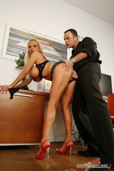 Sharon Pink - Sharon Pink Gets Bent Over the Desk [FullHD] - 3am.xxx