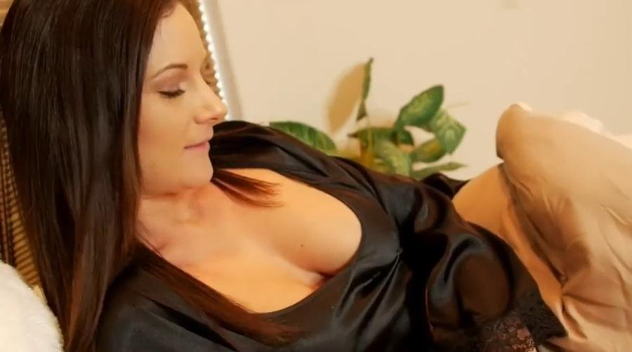 Mandy Flores - Mom and Son IV: Home From College (Incest, Mom, Son) [HD 720p] - Clips4Sale.com