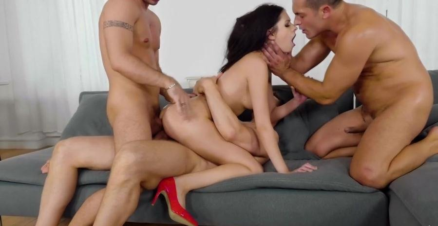 Rebecca Volpetti - Group Discount (Gangbang, Anal) [HD 720p] - RealityKings.com
