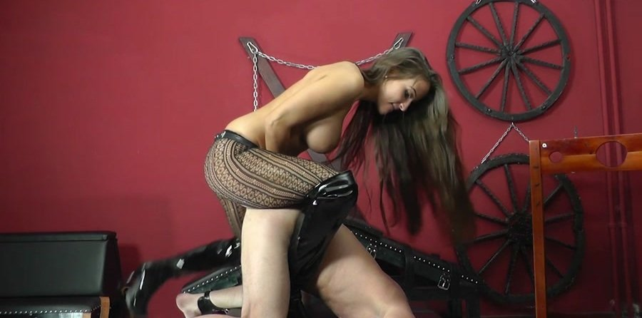Mistress Amanda - MAKES THE SLAVE SCREAM (Femdom, Humilation) [HD 720p] - Cruel-Strapon.com