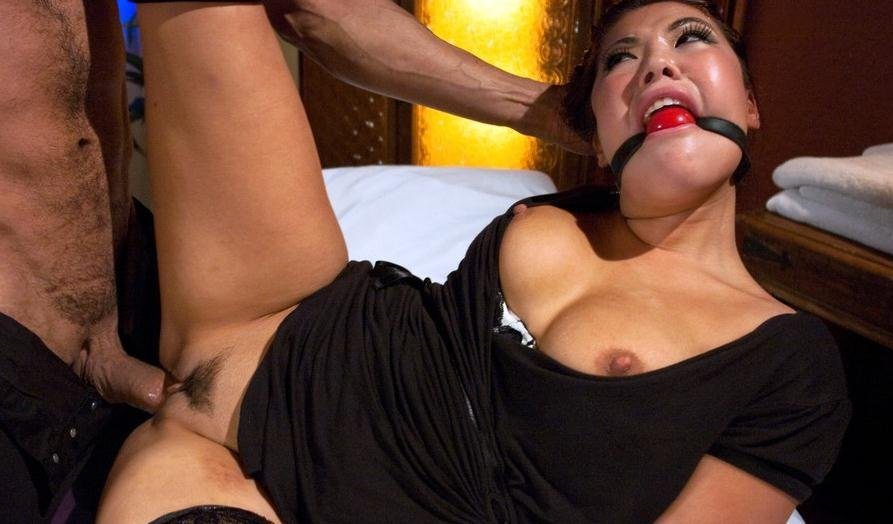London Keyes - Punished Masseuse (BDSM, Submission) [SD] - SexAndSubmission.com