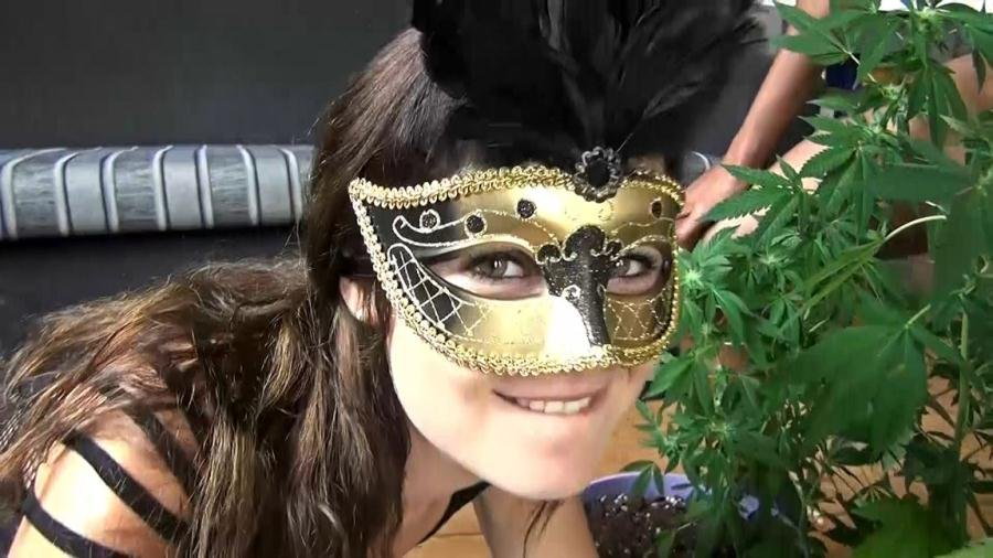 Unknown Tiny Dutch - Rumble in the weed jungle (Bukkake) [FullHD 1080p] - ManyVids.com
