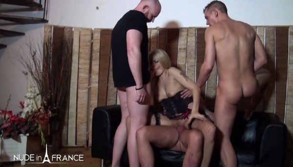 Venus Lova, Savannah - Gorgeous 40 yo Belgian mom gets double vaginal plugged and gangbanged (Gangbang) [HD] - NudeInFrance.com