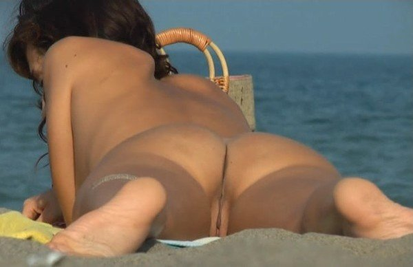 Amateurs - Beach Hunters 309 (Amateur) [HD] - BeachHunters.com