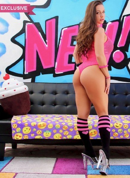 Abigail Mac - One On One With Abigail (Blowjob) [HD] - Swallowed.com