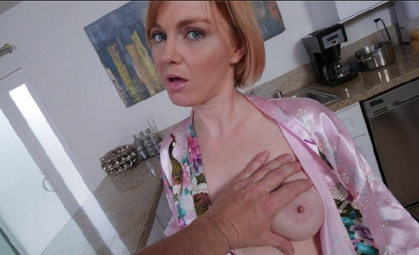 Marie McCray - Stepmoms Booty For Breakfast (POV) [SD] - PervMom.com
