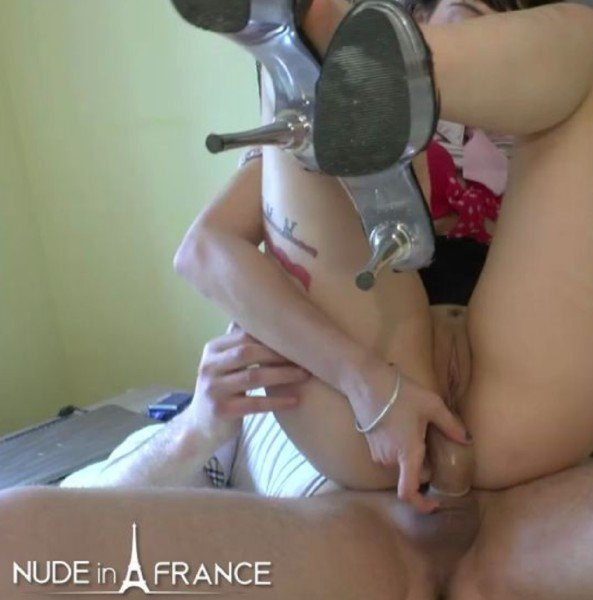 Lilou Sou - Student slut with small tits heated outside before getting anal fucked indoor (Ana) [HD] - NudeInFrance.com