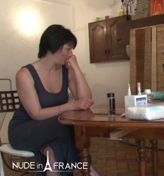 Lucie Luke, Amelie Pucycat - Mature brunette getting shaved, fist-fucked and sodomized at the gyneco (Mature) [SD] - NudeInFrance.com
