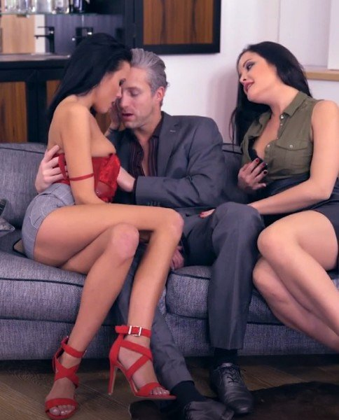 Dolly Diore, Lexi Layo, Lutro - Deluxe Rimjob Ep2 - My Valentines Rimjob () [HD] - GirlsRimming.com