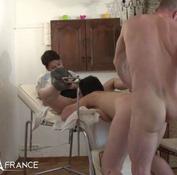 Lucie Luke, Amelie Pucycat - Mature brunette getting shaved, fist-fucked and sodomized at the gyneco (Mature) [HD] - NudeInFrance.com