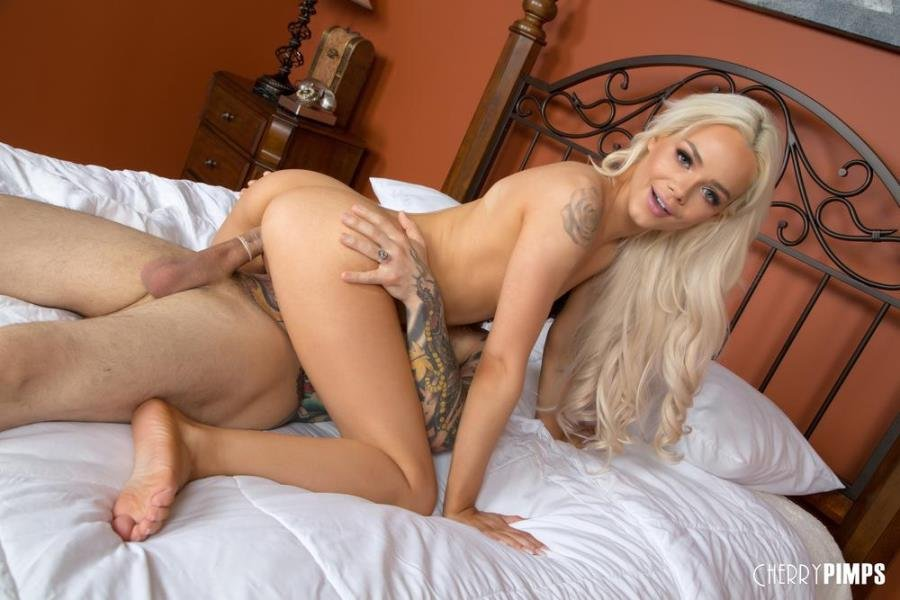 Elsa Jean - Banging Hot Elsa Jean LIVE! (Foot Fetish) [SD] - Banging Hot Elsa Jean LIVE!