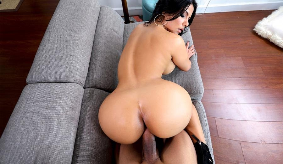 Rose Monroe - Creampie For This Perfect Latina () [SD] - AssParade.com / BangBros.com