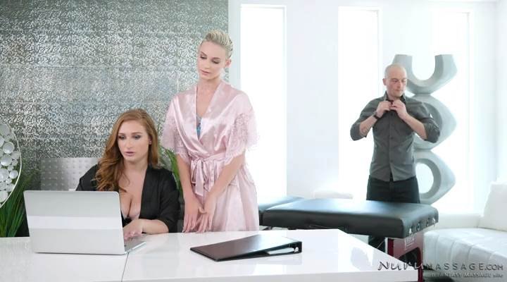 Emma Hix, Skylar Snow - Naughty Trainee () [SD] - NuruMassage.com