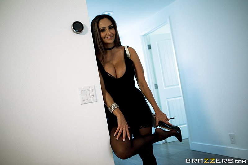 Ava Addams - Rent-A-Pornstar: The Lonely Bachelor (Brunette) [SD] - PornstarsLikeitBig