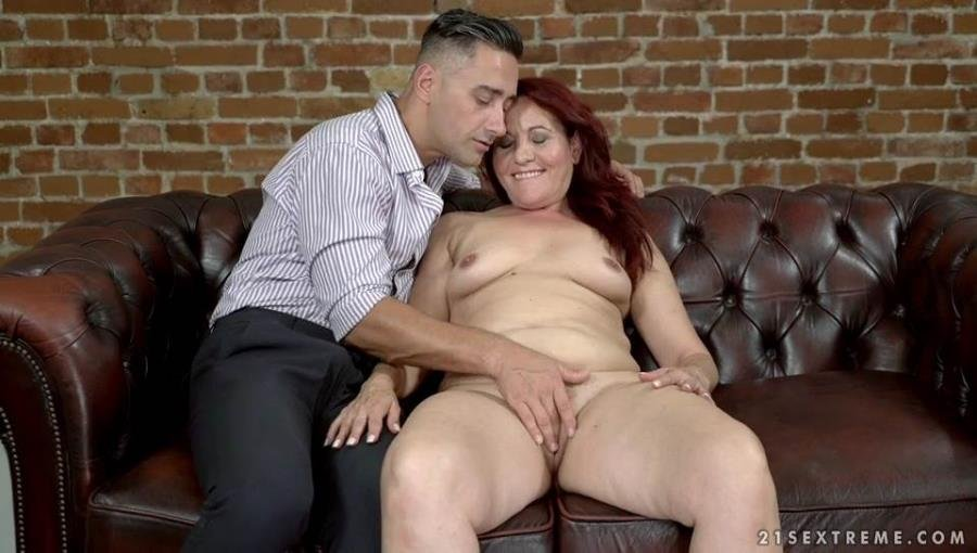 Red Mary - Granny's Glass Dildo (Mature) [SD] - LustyGrandmas