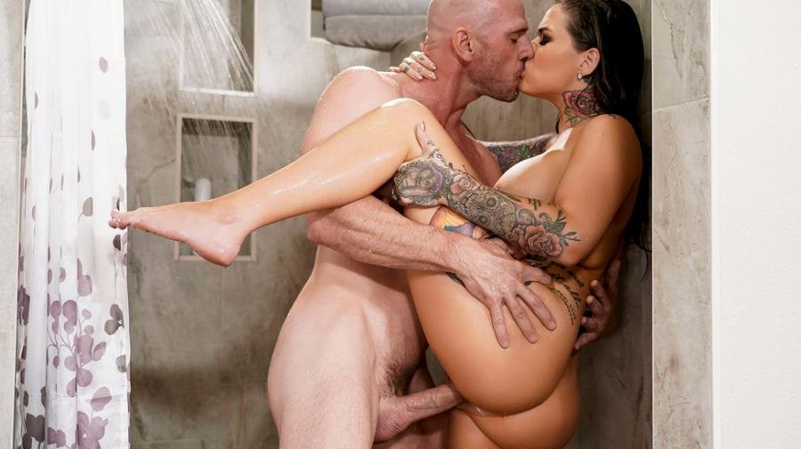 Karmen Karma - Banging Her Brother-In-Law (Brunette) [SD] - RealWifeStories.com / Brazzers.com-Год производства: 2019 г.
