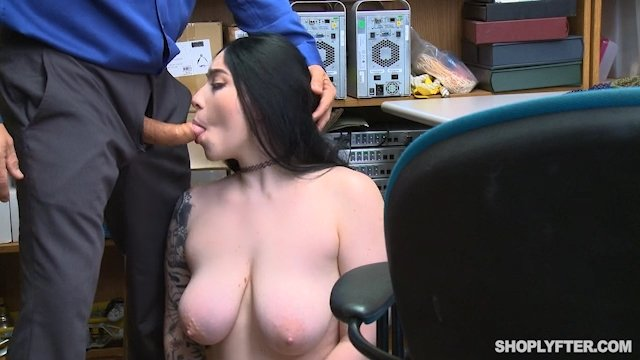 Amilia Onyx - Case No. 3233359 (Blowjob) [SD] - Shoplyfter.com