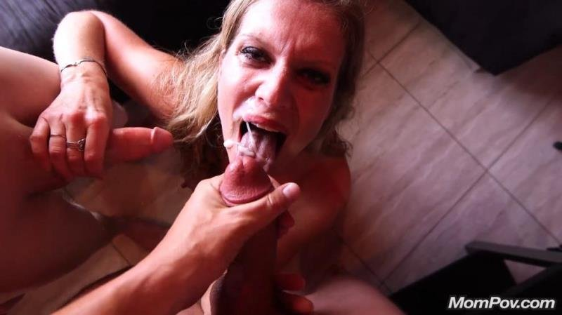 Ellie - Double Dicked Bonus (Blowjob) [SD] - MomPov.com