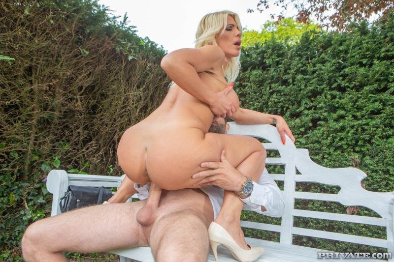 Tiffany Rousso - The MILF And The Waiter (Milf) [SD] - PrivateMILFs.com