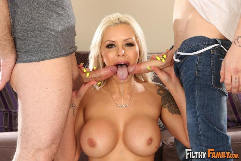 Nina Elle - My Step Mom Is A Nudist (Blonde) [SD] - FilthyFamily.com