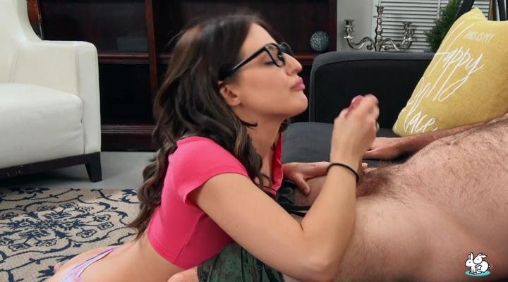 Aubree Valentine - Sexy Brunette With Glasses Gets Fucked (Brunette) [SD] - TrueAmateurs.com