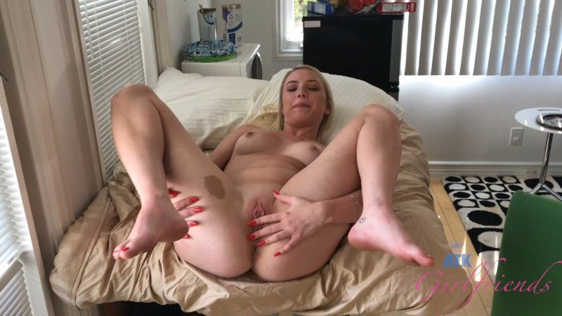 Dixie Lynn - BTS (Blowjob) [SD] - ATKGirlfriends.com