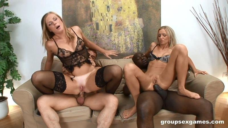 Carmeron Gold  Ulrika - Two Hot Sluts Enjoy In Group Sex (Group) [SD] - GroupSexGames.com